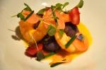 Pommes de terre à chair bleu, de crevettes cuites sous vides, et de piment aji amarillo au restaurant Raza